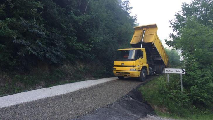 Ordu Büyükşehir Perşembe'nin yollarını asfaltla buluşturuyor