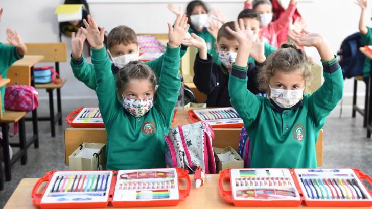 Altınordu Belediyesi'nden minik öğrencilere eğitim seti