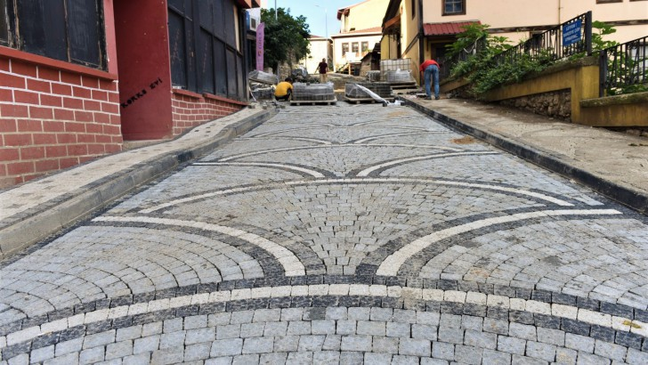 Altınordu Belediyesi'nden tarihi sokaklara estetik dokunuş
