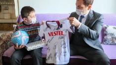 Ordu Valisi, Hayal Kurduğu Trabzonspor Formasına Kavuşturdu