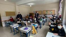 Başkan Güler, Ordu'da Öğrencilere Dezenfektan Kalem Hediye Etti