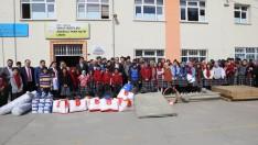 Ordu Kabataş'ta Öğrencilere Spor Malzemesi Dağıtıldı