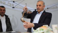 Başkan Tekintaş, Vatandaşlara Sıcak Çorba İkram Etti