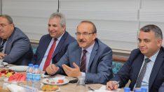 Vali Yavuz, Fatsalı Sanayici ve İşadamlarıyla Bir Araya Geldi