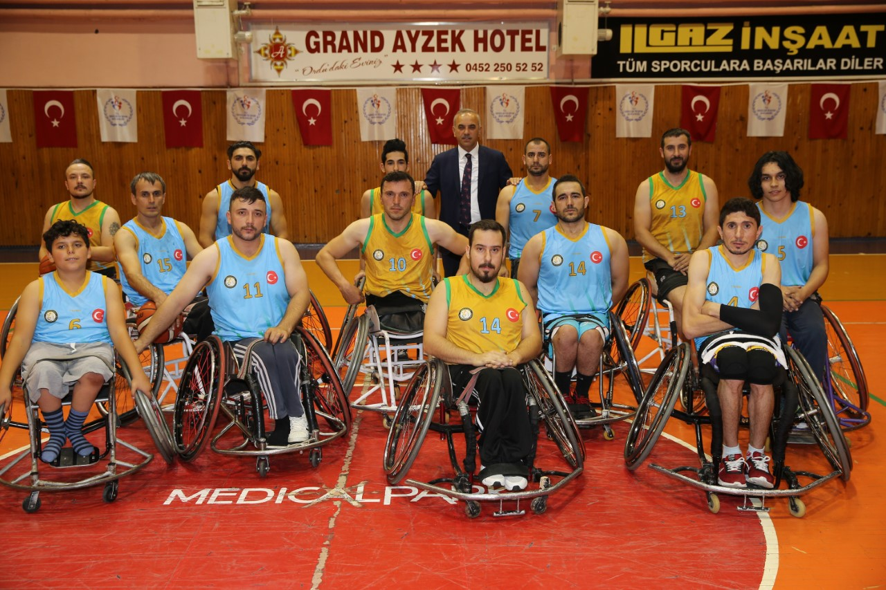Altınordu Belediyesi Bedensel Engelliler Basketbol Takımı Süper Lig'de