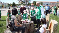 Çevre Günü'nde Başkan Tekintaş ve Öğrenciler Çöp Topladı