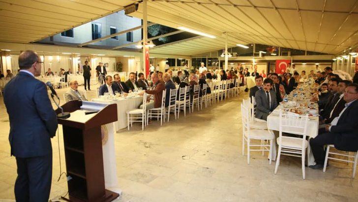 Vali Yavuz, İftar Yemeğinde İl Protokolü Buluştu