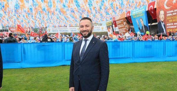 AK Parti Gücünü Milletten Alıyor!