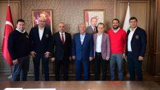 İzmir Altınordu Futbol Kulübünden Başkan Tekintaş'a Ziyaret