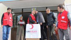Türk Kızılayından öğrencilere giyecek yardımı
