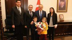 Vali Yavuz, ilkokul öğrencilerini ağırladı