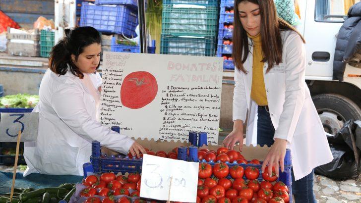 Üniversite öğrencileri sınıflarını halk pazarına taşıdı