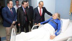 Vali Yavuz, hastaları ziyaret etti