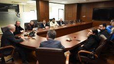 Başkan Tezcan, firma temsilcileriyle buluştu