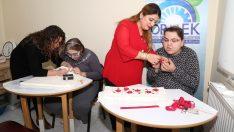 Engelli gençlerin el emekleri gelire dönüşüyor