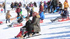 Çambaşı Kayak Merkezi'nde sömestr yoğunluğu