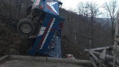 Ordu'da tarım aracı şarampole devrildi: 4 yaralı