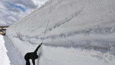 Baharda yayla yollarında kar temizliği