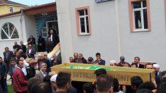 Lise öğrencisinin cenazesini imam babası kıldırdı