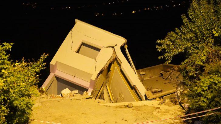 Ordu'da heyelanlı bölgedeki evlerden bazıları yıkıldı