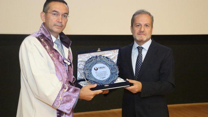 Prof. Dr. Ali Akdoğan, Törenle Rektörlük görevine Başladı