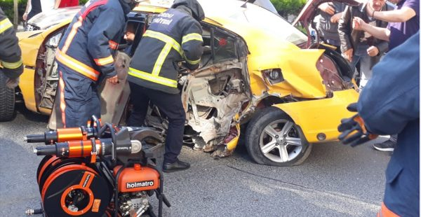 Ordu'da Polisten Kaçan Taksi, üç Otomobile Çarptı: 3 Yaralı