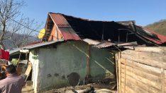 Ordu Ünye'de Tek Katlı Ev Yandı