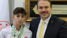 Ordulu Halterci Genç, Naim Süleymanoğlu'nu Örnek alıyor