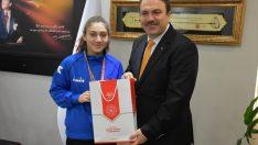 Bıraktığı boksa Türkiye şampiyonluğu ile dönüş yaptı