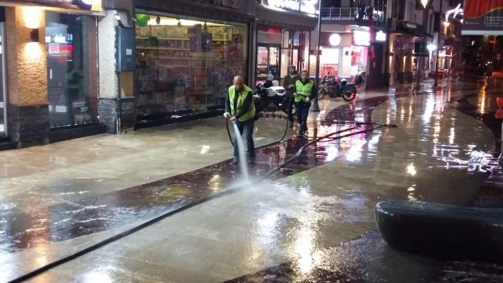 Ordu Büyükşehir Caddeleri Dezenfekte Ediyor