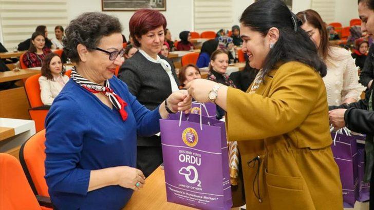 Ordu Valisi Yavuz, kadın personellerin 8 Mart Dünya Kadınlar Günü'nü kutladı