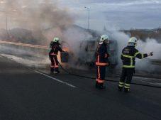 Ordu Ünye'de seyir halindeki araç yandı