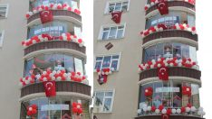 Ünye'de 23 Nisan coşkusu balkonlara taşındı