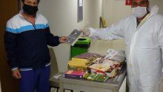 Bakan Kasapoğlu'nun gönderdiği kitaplar, Ordu'da karantinadaki vatandaşlara dağıtıldı