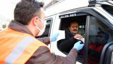 Altınordu Belediyesi vatandaşlara maske dağıttı