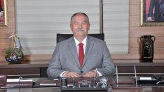 """Kovid-19'u yenen Belediye Başkanı Tandoğan'dan """"Sigarayı bırakın"""" çağrısı"""