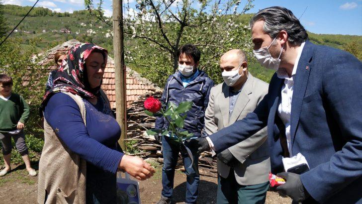 Aybastı'da engelli annelerinin günü kutlandı