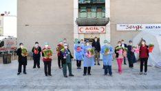 Altınordu Belediyesi Sağlık Çalışanı Anneleri Unutmadı