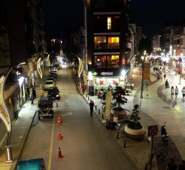 Ordu Büyükşehir caddeleri güzelleştiriyor